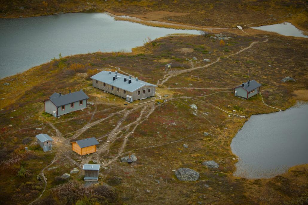 Flygfoto av Aigertstugan i Vindelfjällens naturreservat